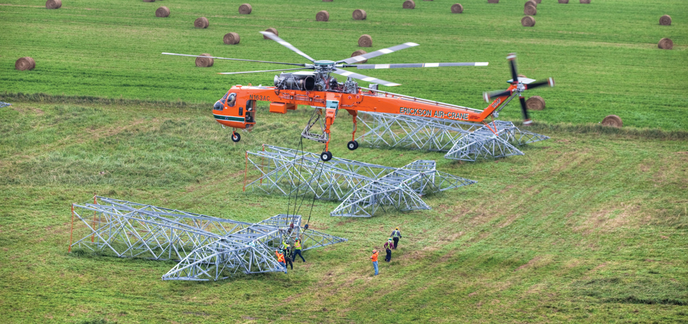 Linea-electrica-con-helicoptero